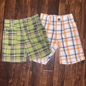 Gymboree & Carter's 2 pairs boys shorts